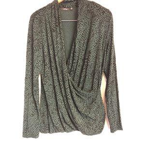 Apt9 XL green wrap top long sleeve shirt snakeskin